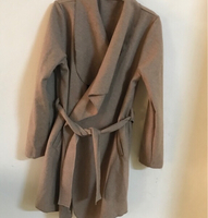 Used Jacket 🧥 for women size (s) new in Dubai, UAE
