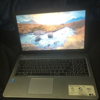Used Asus laptop i3 good as new  in Dubai, UAE