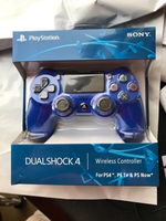 Used Sony ps4 wireless controller blue color  in Dubai, UAE