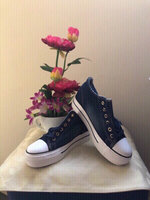 Used Wedge Sneakers size 38 NEW!!! in Dubai, UAE