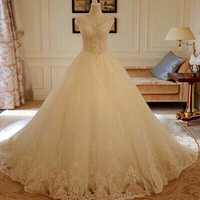 Used NEW Elegant Backless wedding dress in Dubai, UAE