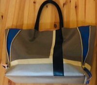 Used Original Estée Lauder bag  in Dubai, UAE
