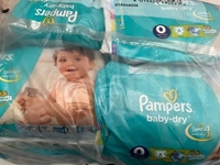 Used Pampers diaper number 5    in Dubai, UAE