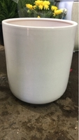 Used White Ceramic Pot 25 cm in Dubai, UAE