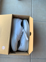 Used Vans white sneakers in Dubai, UAE