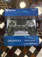 Used Sony ps4 wireless controller space grey  in Dubai, UAE