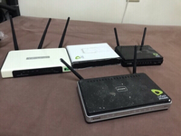 Used Wifi router (tpkink/ dlink ) no return in Dubai, UAE