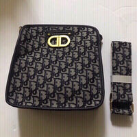 Used Dior hand bag 💼 (new) copy in Dubai, UAE