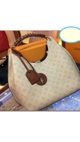 Used LV LADIES BAG NEW STOCK in Dubai, UAE
