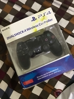 Used Sony ps4 wireless controller black color in Dubai, UAE