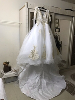 Used 🧖🏻‍♀️Bride wedding dress🧖🏻‍♀️ in Dubai, UAE