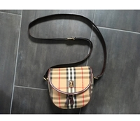 Used Authentic Burberry Crossbody Bag  in Dubai, UAE