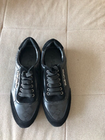 Louis Vuitton sneakers size 40