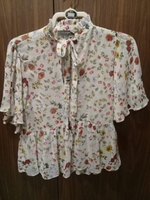 Used Floral top  in Dubai, UAE