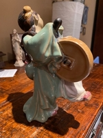 Used Chinese statue in porcelain.  in Dubai, UAE