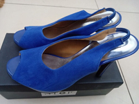 Used Size 39 brand new blue  in Dubai, UAE