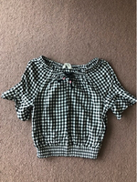 Used Top H&M for a girl 8-9 years old  in Dubai, UAE