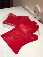Used Heat resistant gloves red in Dubai, UAE