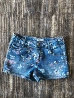 Used Jeans shorts size 12 years old in Dubai, UAE