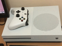Used Xbox one s for sale or trade with ps4 in Dubai, UAE