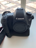 Used Canon 6D with battery grip in Dubai, UAE