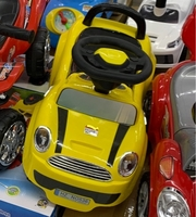 Used Kids ride on car Brand New!!! in Dubai, UAE