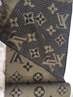 Used Louis Vuitton verone scarf LAST PRICE in Dubai, UAE