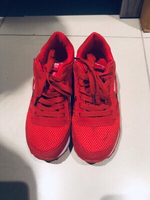 Used Reebok women's snickers almost new in Dubai, UAE