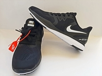 Used Nike Just do it Black/White EU44 in Dubai, UAE