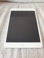 Used Ipad mini 2 white color 16GB WIFI in Dubai, UAE