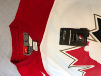 Used Hockey shirt Canada large in Dubai, UAE