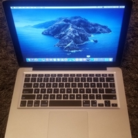 Used MacBook Pro 13.3 inch like new 1TB HARD in Dubai, UAE
