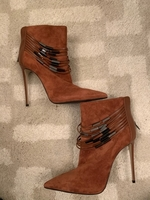 Used Le silla boots in Dubai, UAE