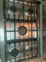 Used Gas cooker 5 burner with electric ignite in Dubai, UAE
