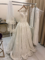 Used wedding dress for sale in Dubai, UAE