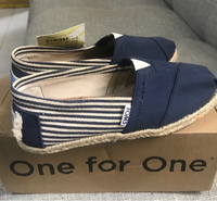 Used TOMS(size 5)brand new in Dubai, UAE