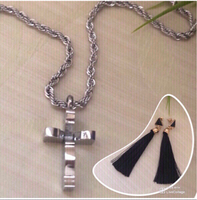Used NEW Silver Necklace with Free Earrings!! in Dubai, UAE