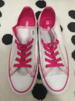 Used Original Converse Ladies Sneakers in Dubai, UAE