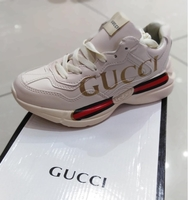 Used Gucci sneakers 40 size in Dubai, UAE