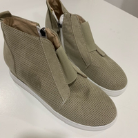 Used Wedge heel sneakers (39) for ladies  in Dubai, UAE