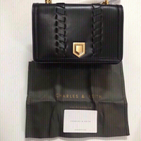 Used  Charles & Keith handbag 👜  in Dubai, UAE