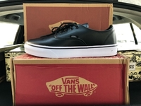Used Vans Off The Wall Leather + Free Socks in Dubai, UAE
