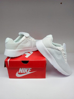 Used New nike shoes class A ( size 37) in Dubai, UAE