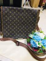 Used LV Messenger Bag Coded in Dubai, UAE