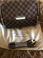 Used Grid Louis Vuitton handbag 👜-💯new in Dubai, UAE
