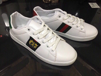 Used Gucci sneakers size 40 , new in Dubai, UAE