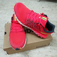 Used Reebok Twistform Size 7 in Dubai, UAE
