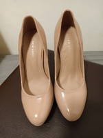 Used Ladies court shoes in Dubai, UAE