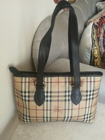 Used AUTHENTIC BURBERRY LEATHER BAG.. in Dubai, UAE