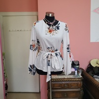 Used Long sleeves floral top in Dubai, UAE